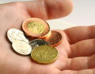 Nebankovní společnosti nabízejí možnost půjčit si rychle menší obnos peněz, který vás může zachránit před zbytečnými problémy.